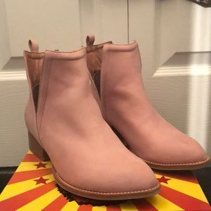 Jeffrey Campbell- Muskrat Ankle Boot- Blush